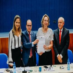 Entrega de assinaturas do Climatiza Já - Fotografo: George Dias/ ZF Press
