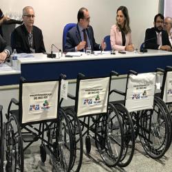 Entrega das cadeiras de roda Mão Na Roda na Seccional