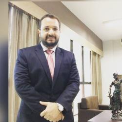 Presidente da Comissão de Direito Internacional - Elvis Antonio Klauk Junior