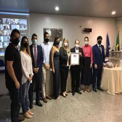 Família recebe homenagem em memória de Carlos Eduardo de Campos Borges